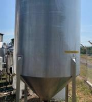 Tanque inox com misturador
